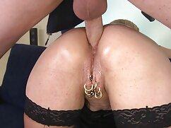 Rubia madura demuestra buen sexo maduras peludas enculadas con un hombre
