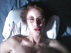 La rubia decidió darse un capricho en la videos de maduras peludas gratis calle