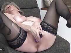 Chica apetitosa ayudó a su amado a obtener ver videos de maduras peludas el placer deseado