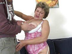 Las niñas durante un grupo maduraspeludasfollando llevan esperma masculino a todas partes