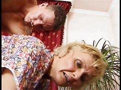 Chica tetona disfruta de un casting con maduras peludas folladoras un jovencito