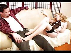 La enfermera sedujo maduraspeludasfollando al doctor en su consultorio