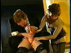 Pareja joven disfruta del señoras peludas follando sexo matutino en el campo